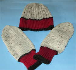 Hat-and-mittts-set-maroon-and-aran-fleck